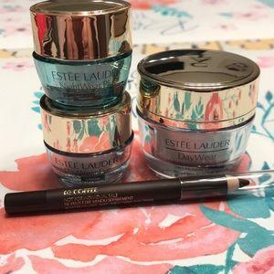 Estee Lauder Makeup - Estée Lauder Daywear bundle with bonus eyeliner